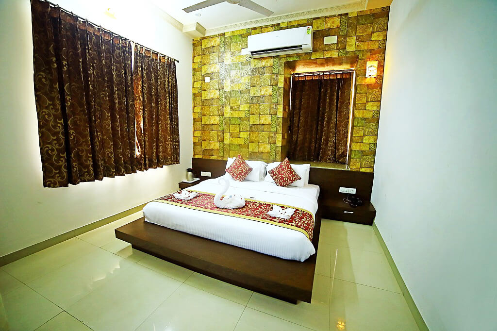 super deluxe room booking in udaipur